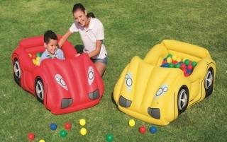 Надуваема кола с топки