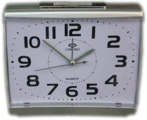 Настолен часовник с големи цифри и лампа