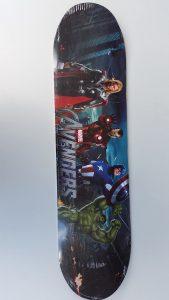 """Скейтборд голям 31"""" с атрактивни картинки на дъската"""