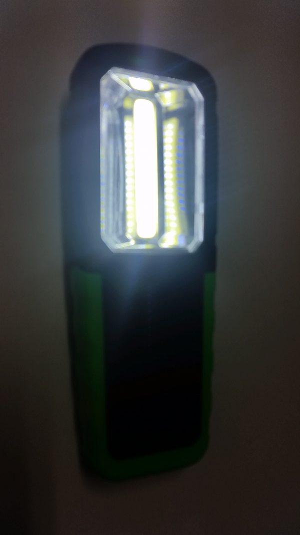 LED батерия с магнит и закачалка