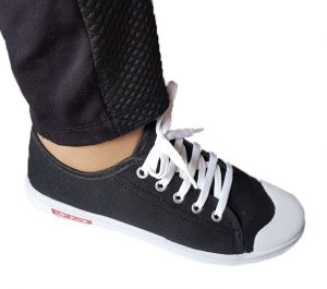 Дамски обувки гуменки - черни